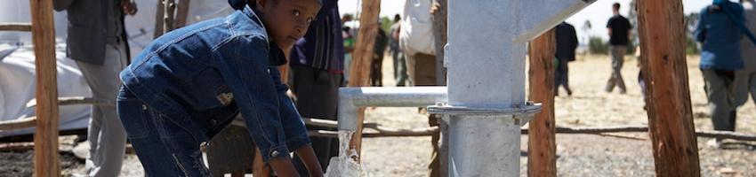 http://www.hydronik.com/wp-content/uploads/2015/02/Sauberes Trinkwasser Hoffnung für Sodo ©john-broemstrup